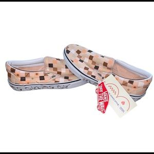 NWT Vans Breast Cancer Slip on Shoes Woman's 9